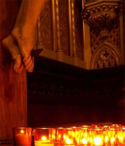 candles_crucifix_ottawa2.jpg
